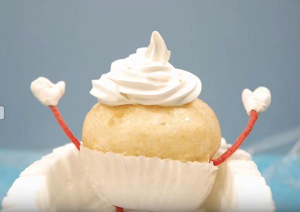 Descubre como un dulce cupcake se embarca en una gran aventura que le cambiará la vida – Mira aquí el vídeo
